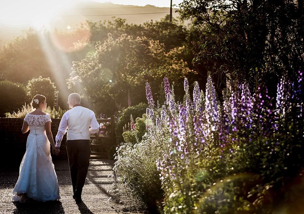 upwaltham-barn-wedding-couple
